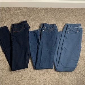 Lot of 3 skinny jeans